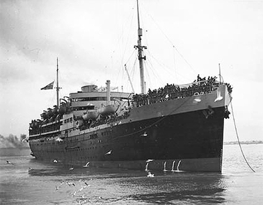 'HMT Dunera', Melbourne, 1940. Courtesy National Archives of Australia