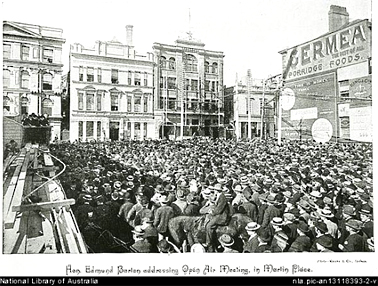 Hon Edmund Barton addressing Open Air Meeting in Martin Place on Federal Referendum c.1899. SLNSW.