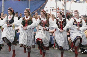 Folk dancing at the 2008 Oktoberfest
