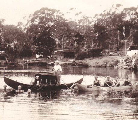 Internees' canoes on the River. The canoe to the right is Störtebeker. Berrima District Museum