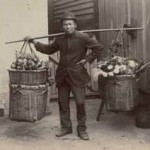Chinese vegetable hawker, c.1895. Courtesy National Library of Australia.