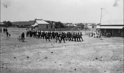 Men marching back to Broken Hill the day after the attack. Courtesy of the State Library of South Australia